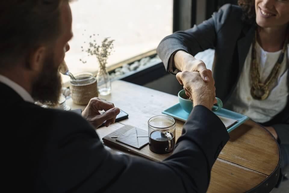 Réorganisations et Santé des salariés : enjeux et pistes préventives